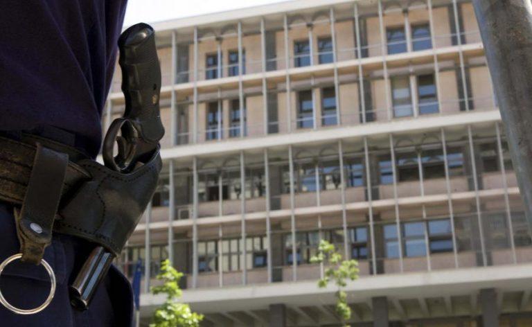 Εκκενώθηκαν τα δικαστήρια Θεσσαλονίκης μετά από τηλεφώνημα για βόμβα | Newsit.gr