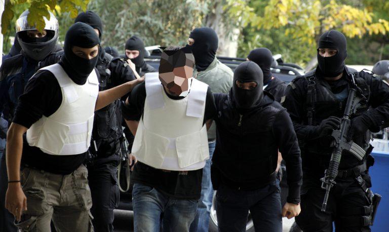 Σε δίκη πάνε 18 κατηγορούμενοι για συμμετοχή στη «Συνωμοσία Πυρήνων της Φωτιάς» | Newsit.gr