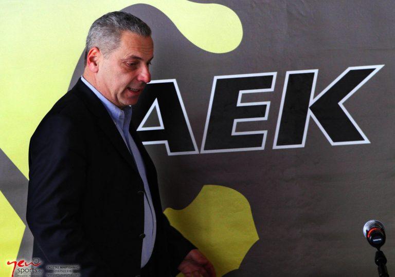 Μιλάει στους παίκτες ο Δημητρέλος | Newsit.gr