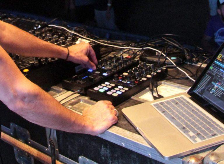 Σκοτώθηκε σε τροχαίο γνωστός Έλληνας DJ | Newsit.gr