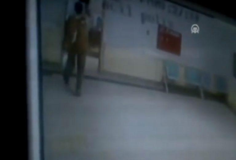 Ανατριχιαστικό βίντεο – Δολοφονία αστυνομικού μπροστά στην κάμερα | Newsit.gr