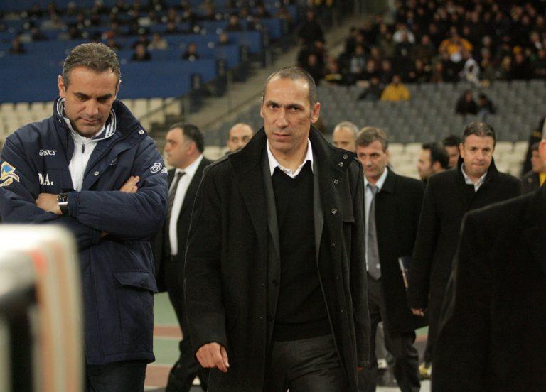 Στην εξέδρα ο Δώνης | Newsit.gr