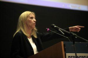 «Νομοθετικό κενό» βλέπει η Δούρου στην αντιμετώπιση του Προσφυγικού από την Περιφέρεια Αττικής