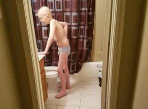 Σπαρακτική φωτογραφία του γιου της που παλεύει τον καρκίνο! «Η ζωή δεν είναι ωραία»