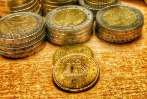 Η διαβρωτική κακοφωνία με το Grexit βλάπτει την οικονομία και τη χώρα