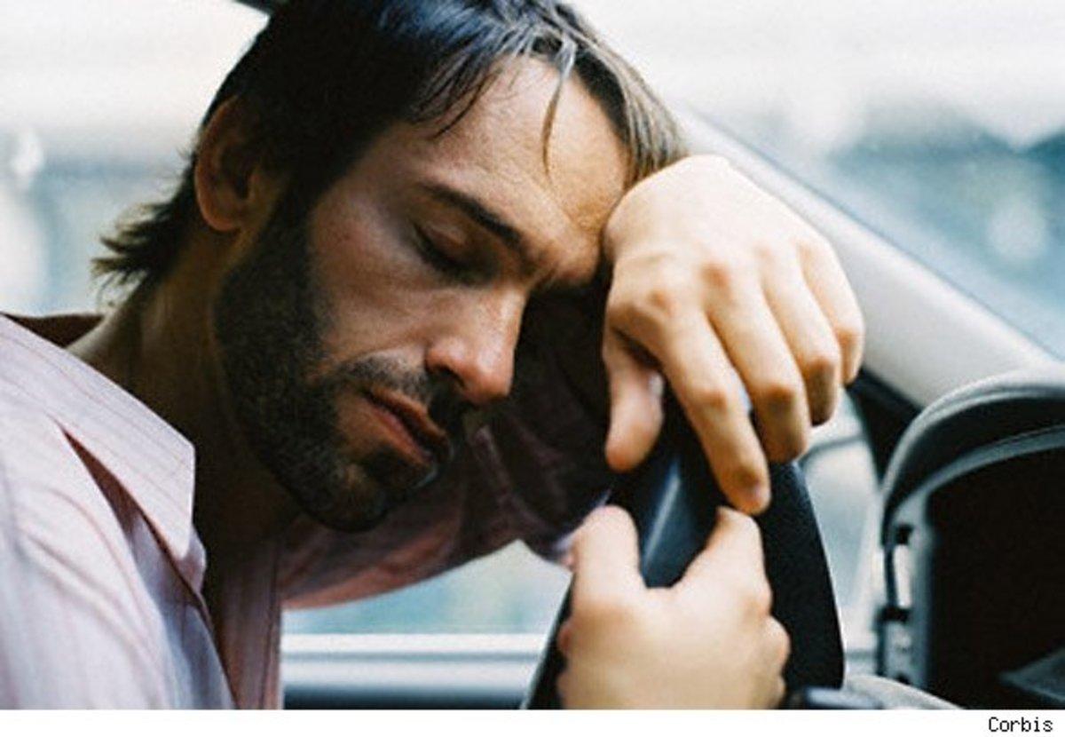 Ο νυσταγμένος οδηγός είναι το ίδιο επικίνδυνος με τον μεθυσμένο | Newsit.gr