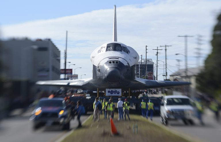 Ενα διαστημικό λεωφορείο στου δρόμους του Λος Αντζελες! – ΦΩΤΟ | Newsit.gr