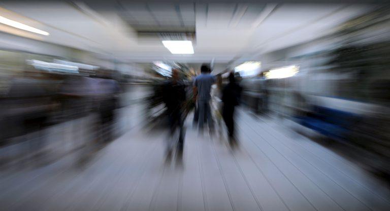 """""""200.000 Δημόσιοι Υπάλληλοι θα φύγουν ως το 2015""""   Newsit.gr"""
