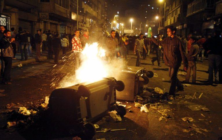 Επεισόδια στο Κάιρο – Πετροβόλησαν υπουργό και περικύκλωσαν τον μεγάλο ιμάμη | Newsit.gr