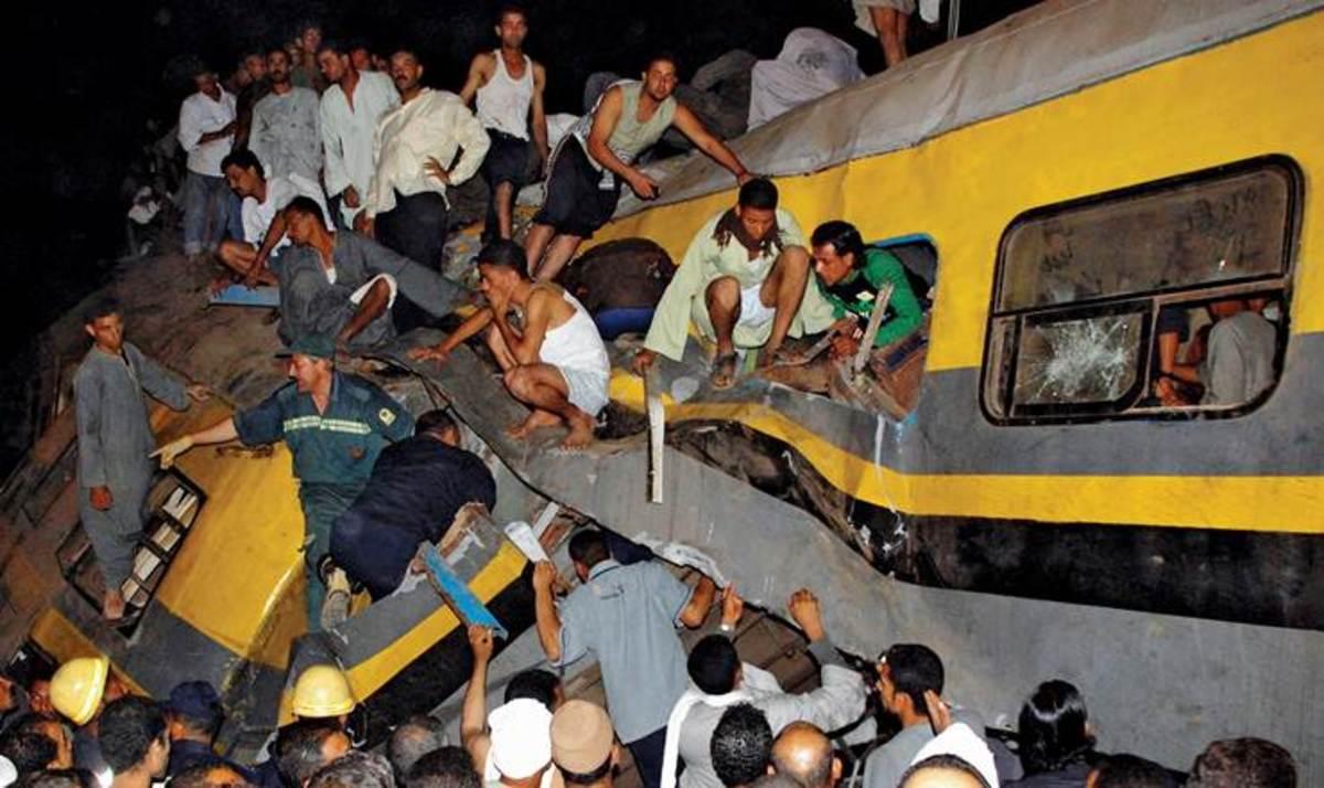 Σύγκρουση τρένων στην Αίγυπτο με 5 νεκρούς   Newsit.gr