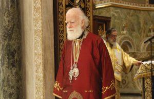 Κατέρρευσε στον Εσπερινό ο Αρχιεπίσκοπος Κρήτης!