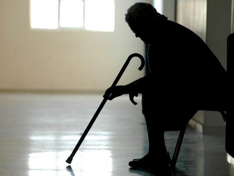 Άφησαν στο δρόμο 94χρονη επειδή δεν είχε να πληρώσει | Newsit.gr