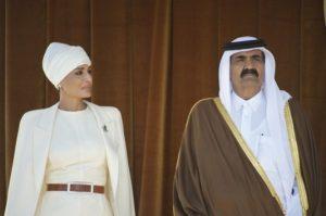 """Επιχείρηση """"Εμίρης του Κατάρ"""": Οι επενδύσεις και ο διπλωματικός μαραθώνιος"""