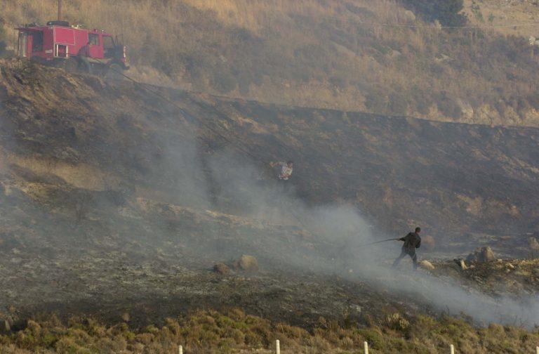 Χανιά: Πυροσβέστες έπιασαν εμπρηστή! | Newsit.gr
