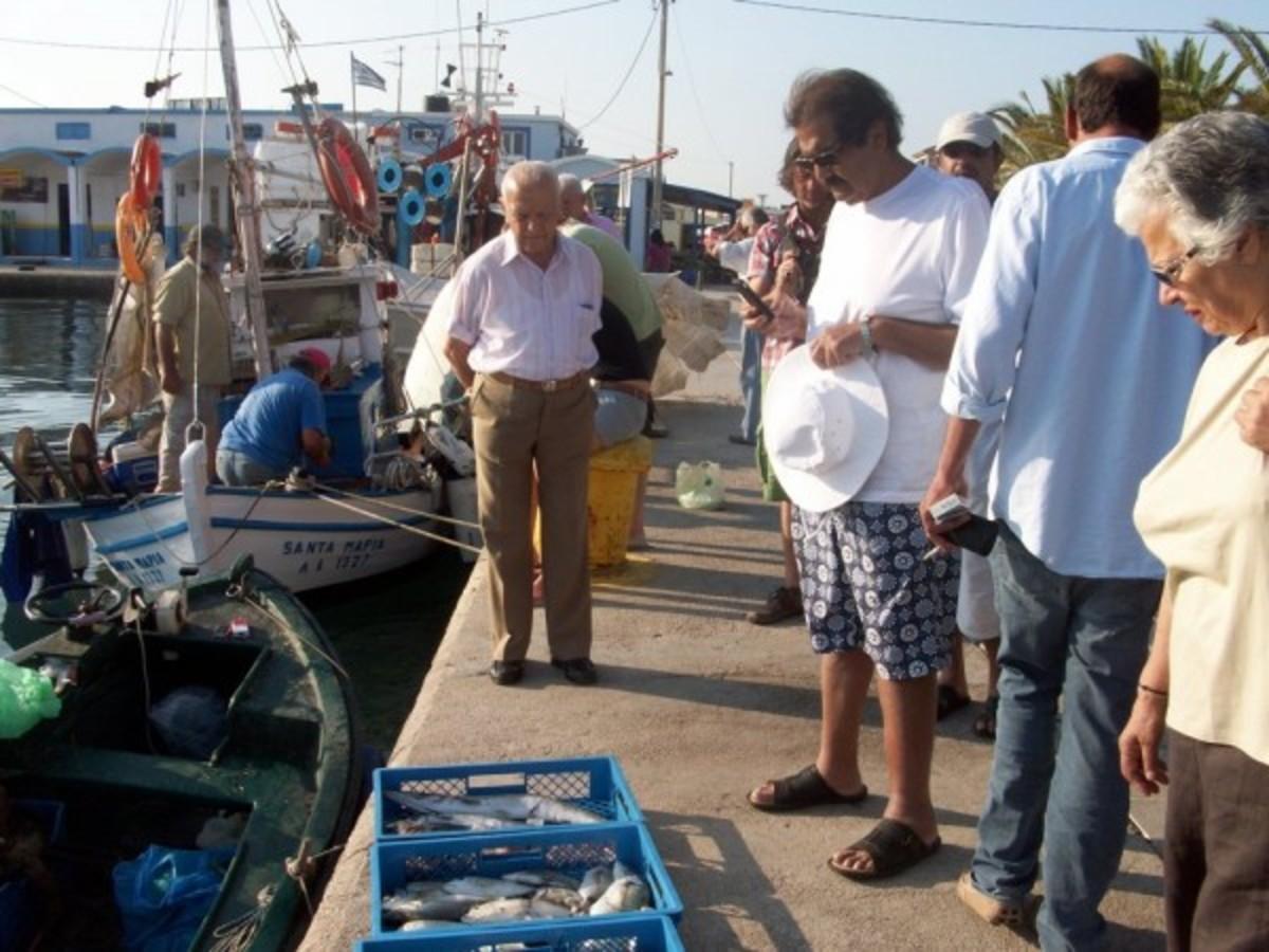 Αυτός είναι ο Εμίρης «με τις παντόφλες» που του ανήκει η μισή Ευρώπη! | Newsit.gr