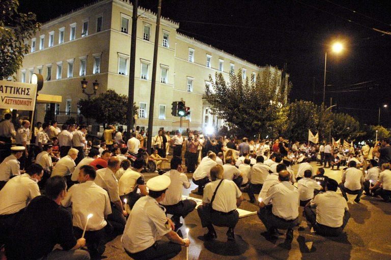 «Στρατό στους δρόμους θα βγάλουν οι νέες περικοπές» – Ένα βίντεο…υπενθύμιση | Newsit.gr