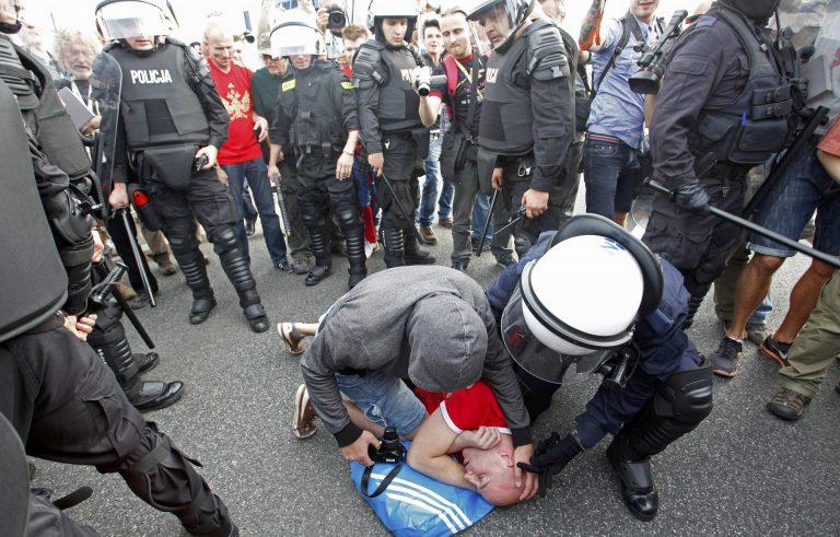 Νέα επεισόδια στην Βαρσοβία – Δείτε VIDEO   Newsit.gr