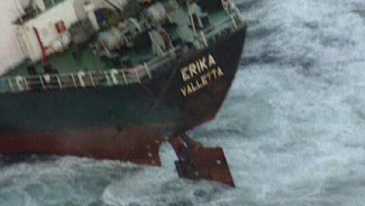 Ένοχη η Total  για το ναυάγιο του Erika   Newsit.gr