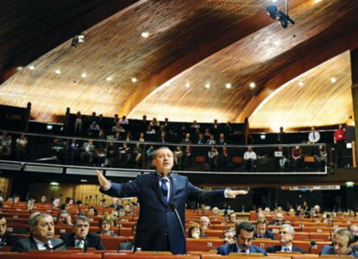 Ερντογάν: Ποιος Έλληνας δημοσιογράφος του έγραψε βιβλίο ύμνο | Newsit.gr