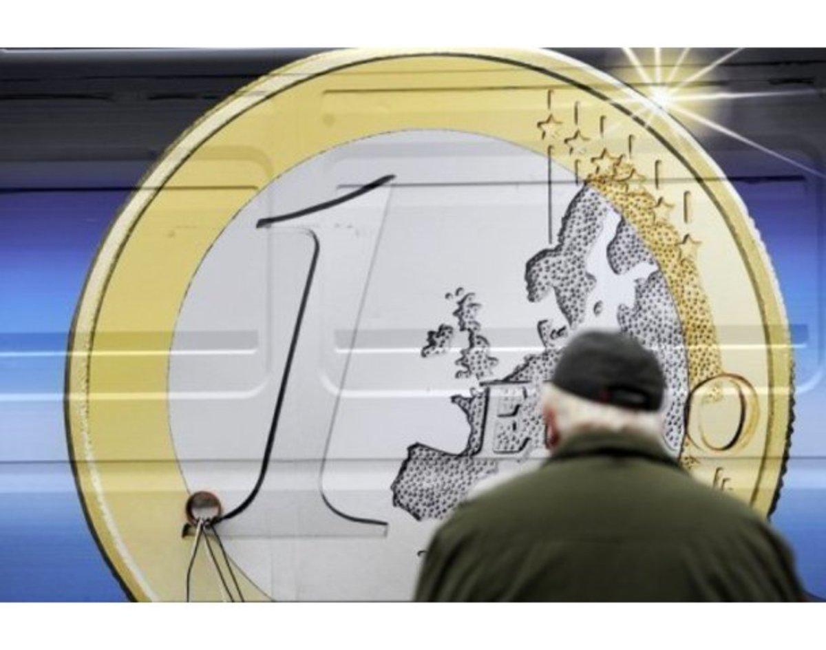 Παπανδρέου και Μέρκελ ρίχνουν το ευρώ | Newsit.gr