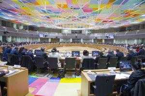 Eurogroup: όλα για το χρέος – Μάχη Γερμανίας – ΔΝΤ στην πλάτη της Ελλάδας