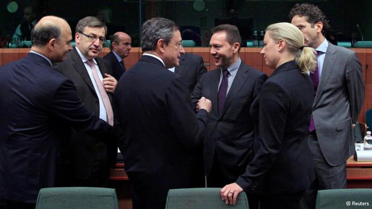 Το Eurogroup συζητά την επαναγορά ομολόγων | Newsit.gr