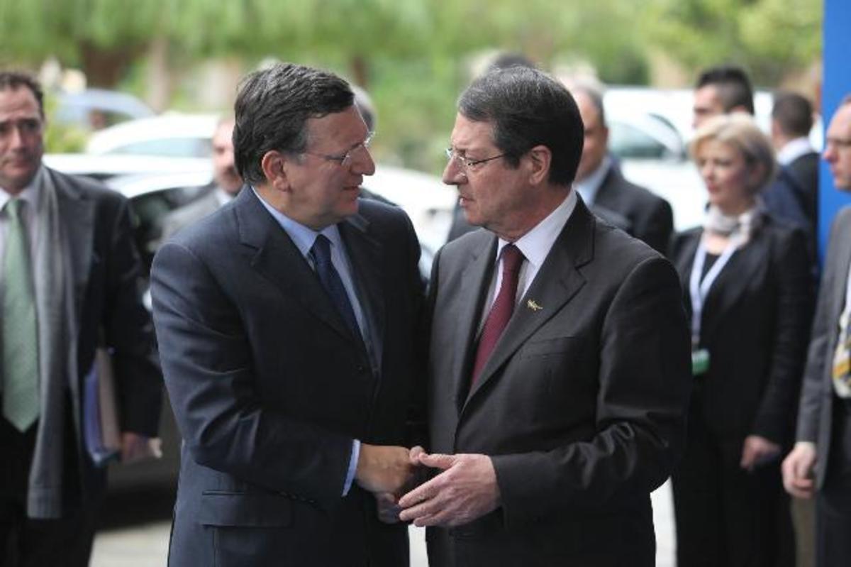 Σφραγίζουν το μέλλον της Κύπρου στο Eurogroup – Συμφωνία για κούρεμα 29% εως 32% σε καταθέσεις άνω των 100.000 ευρώ | Newsit.gr