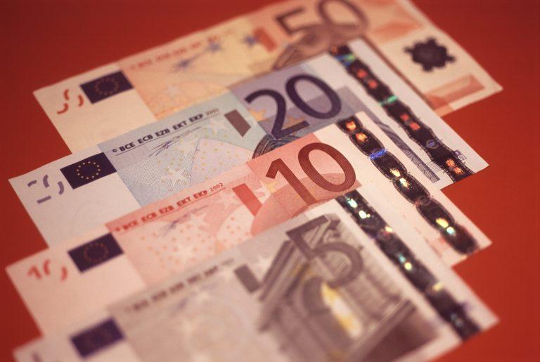 Σημεία και τέρατα από φορολογικές παραβάσεις σε ιατρεία, ενεχυροδανειστήρια και καφετέριες | Newsit.gr