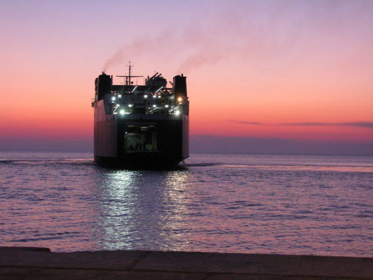 Αποκλεισμένος ο Άγιος Ευστράτιος για μια βδομάδα – Σοβαρά προβλήματα τροφοδοσίας | Newsit.gr