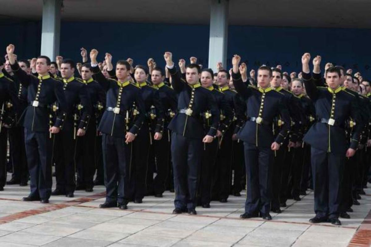 Εκτός Πανελληνιων εξετάσεων οι στρατιωτικές σχολές! Κοσμογονία αλλαγών στη στρατιωτική εκπαίδευση | Newsit.gr