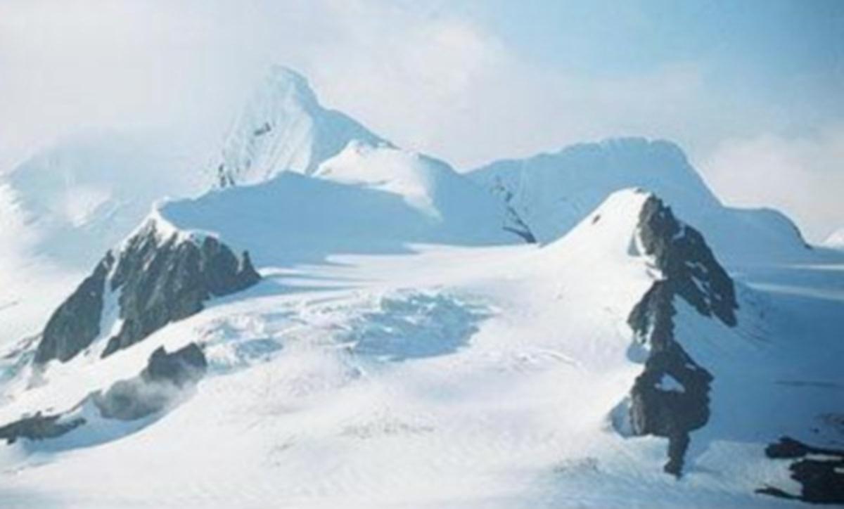 Γκάφα της NASΑ: Μπέρδεψε το Έβερεστ με βουνό του ινδικού Κασμίρ! | Newsit.gr