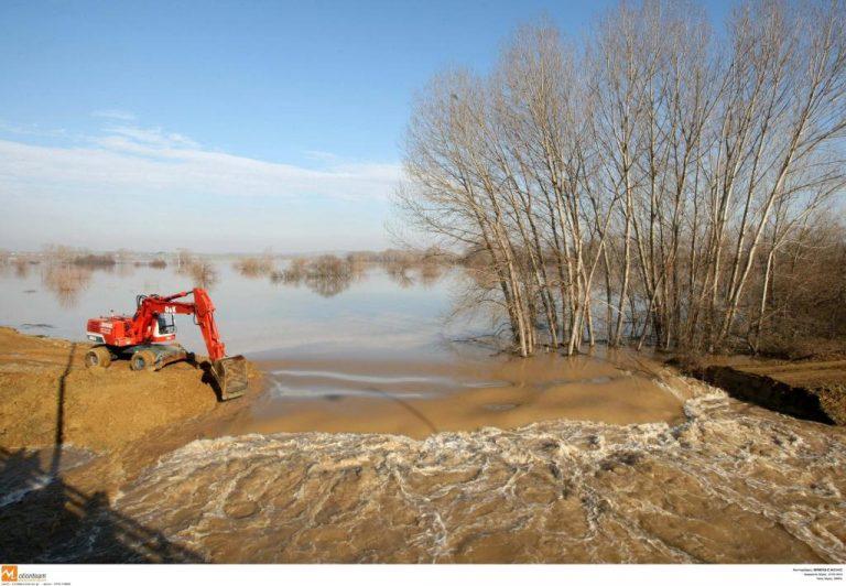 Σε επιφυλακή ο Έβρος – Ανέβηκε η στάθμη του νερού   Newsit.gr