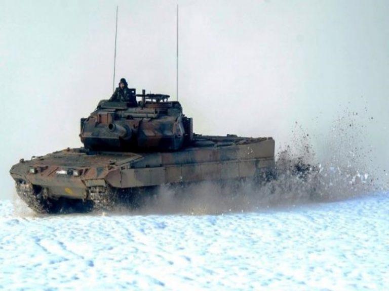 Έτσι εκπαιδεύεται η Μηχανοκίνητη Μεραρχία Πεζικού στον χιονισμένο Έβρο [pics] | Newsit.gr