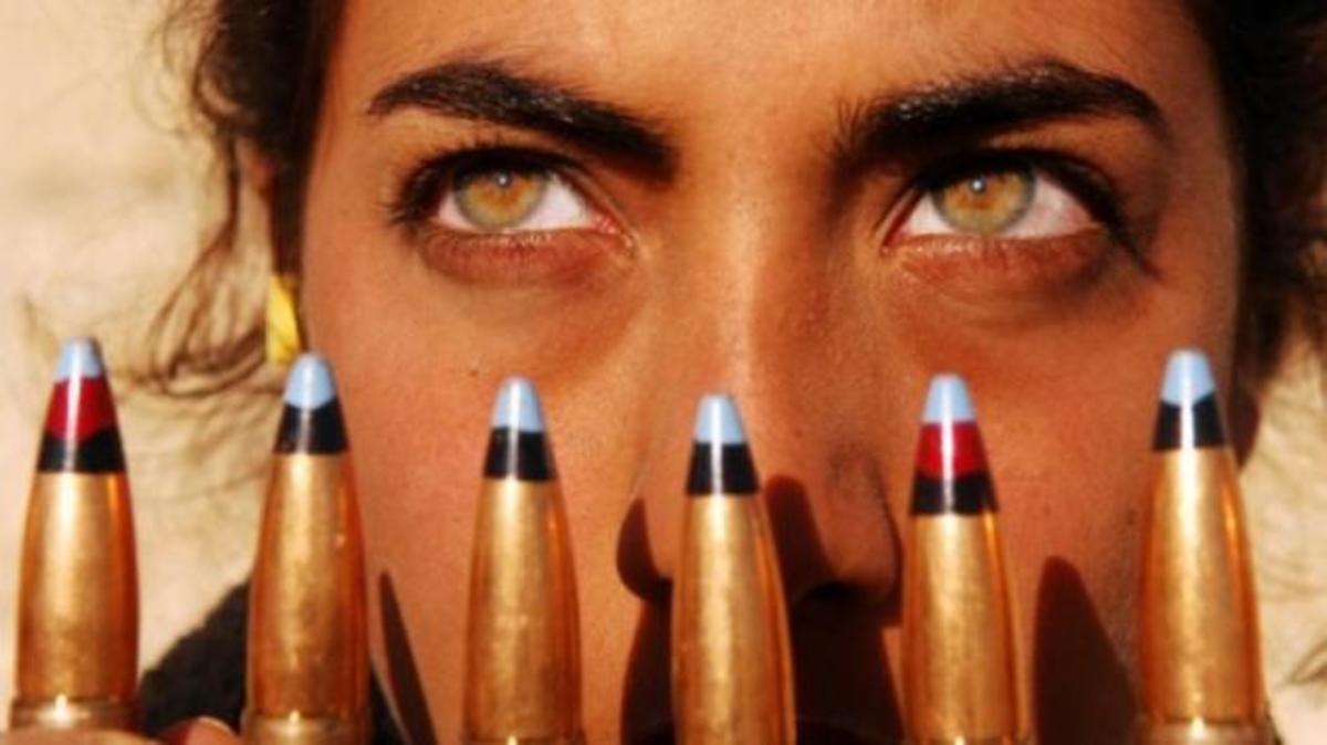 Υποχρεωτική στράτευση γυναικών στα 18 ζητά η Χρυσή Αυγή! | Newsit.gr