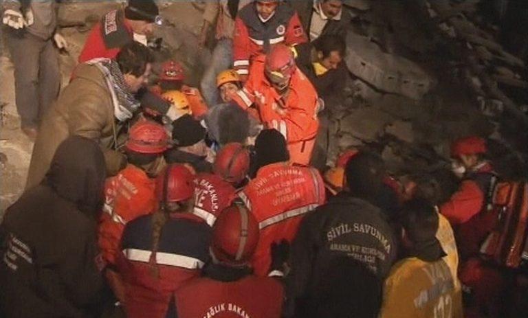 Στους 27 οι νεκροί από τον νέο σεισμό στην Τουρκία | Newsit.gr