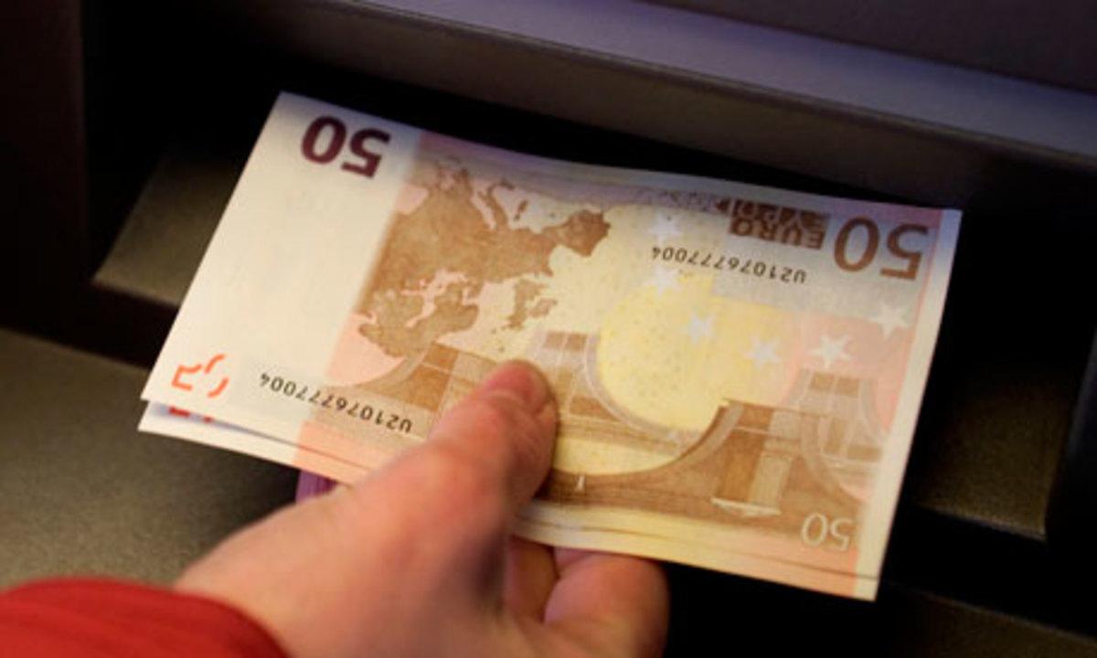 Καταιγιστικές αιτήσεις για να φύγουν κεφάλαια από την Κύπρο | Newsit.gr