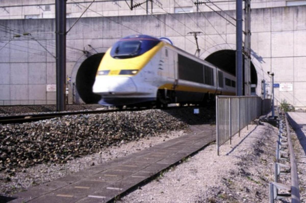 Καπνός διέκοψε την κυκλοφορία στο Eurotunnel | Newsit.gr
