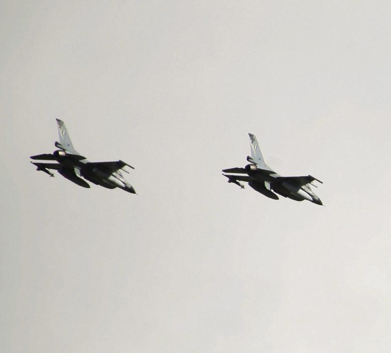 8 Τουρκικά F16 πάνω απ' το Αγαθονήσι   Newsit.gr