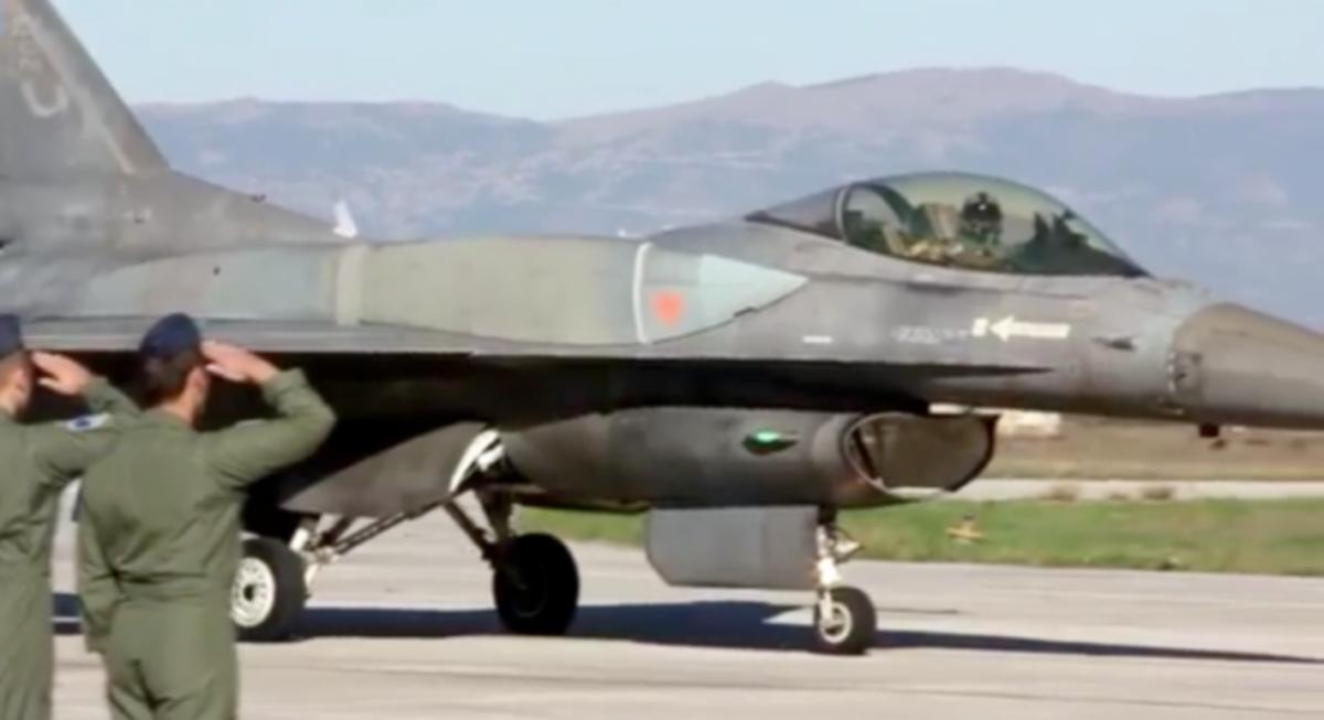 ΒΙΝΤΕΟ: F 16 ,DEMO TEAM . Άλλη μία εντυπωσιακή επίδειξη | Newsit.gr