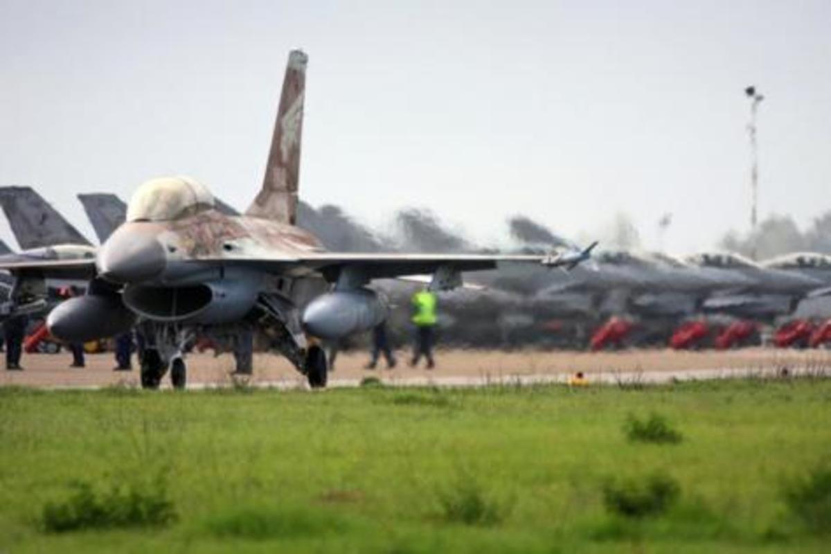 Ισραηλινά F 16 στη Λάρισα. Άσκηση με την Ελληνική Πολεμική Αεροπορία | Newsit.gr