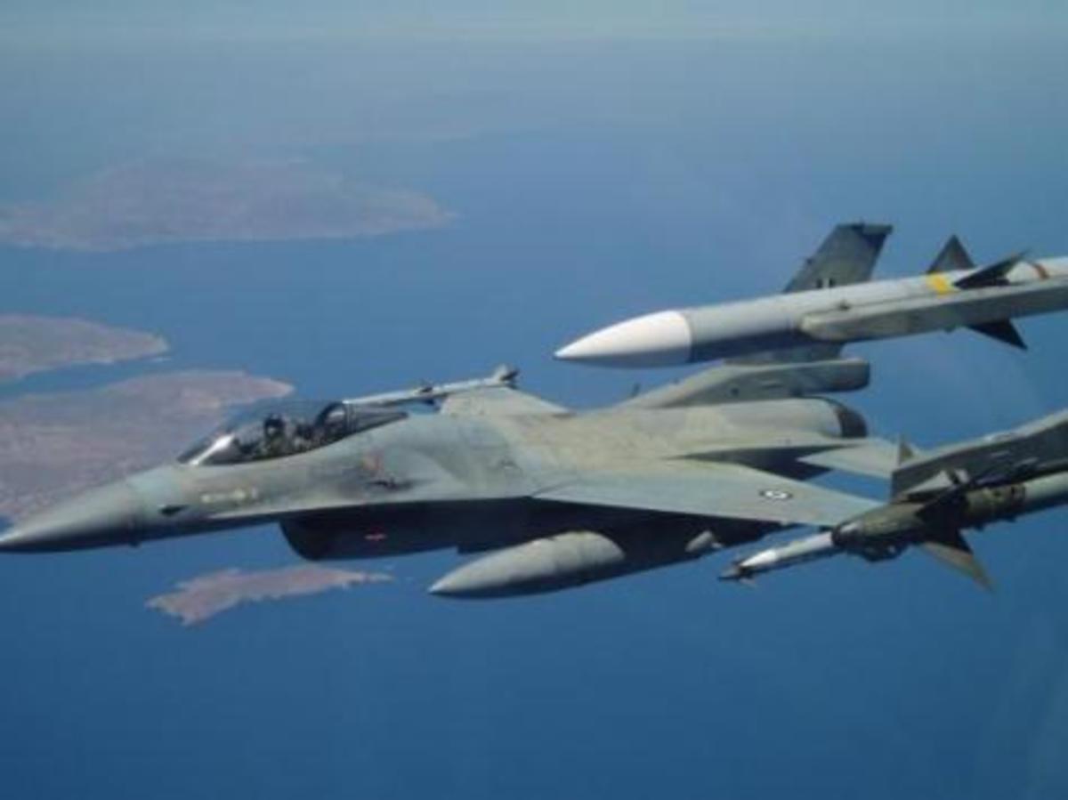 F 16 με …κασκόλ του Ολυμπιακού! Φωτογραφία που κάνει το γύρο του διαδικτύου | Newsit.gr
