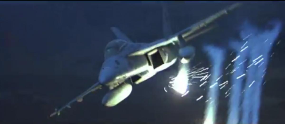 Μαχητικά αεροσκάφη εναντίον αντιαεροπορικών πυραύλων.Δύο εκπληκτικά βίντεο | Newsit.gr