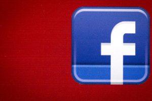 """Αν """"κολλάτε"""" στο Facebook, φταίνε τα γονίδια σας!"""