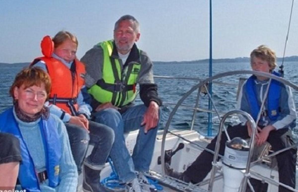 Οικογένεια βρίσκεται στα χέρια αδίστακτων πειρατών | Newsit.gr