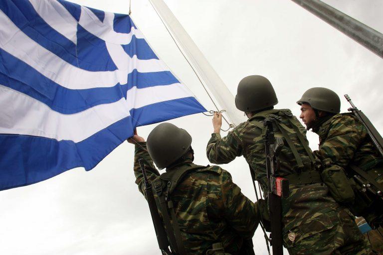 Μισθός σε φαντάρους για επιπλέον μήνες θητείας   Newsit.gr