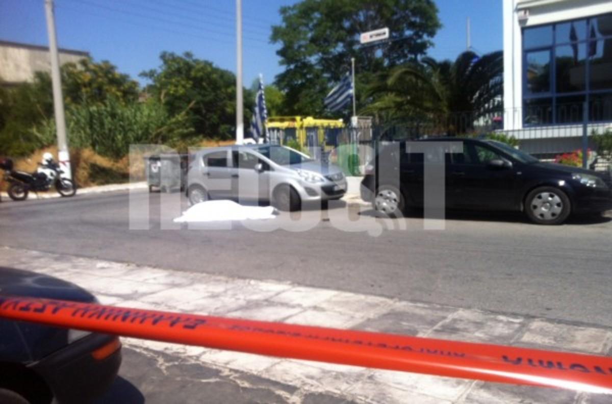Μπλόκα σε όλη την Αθήνα για τους δολοφόνους του φαρμακοποιού | Newsit.gr