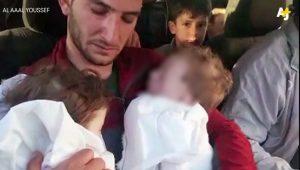 Η φρίκη του πολέμου στη Συρία: Συγκλονίζει ο πατέρας με τα νεκρά δίδυμα στην αγκαλιά του [vid]