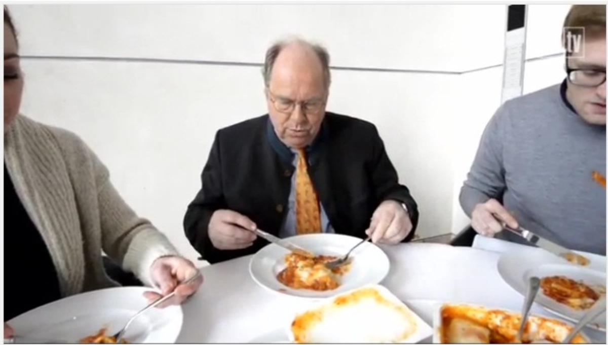 «Δώστε τα τρόφιμα από κρέας αλόγου στους φτωχούς»   Newsit.gr