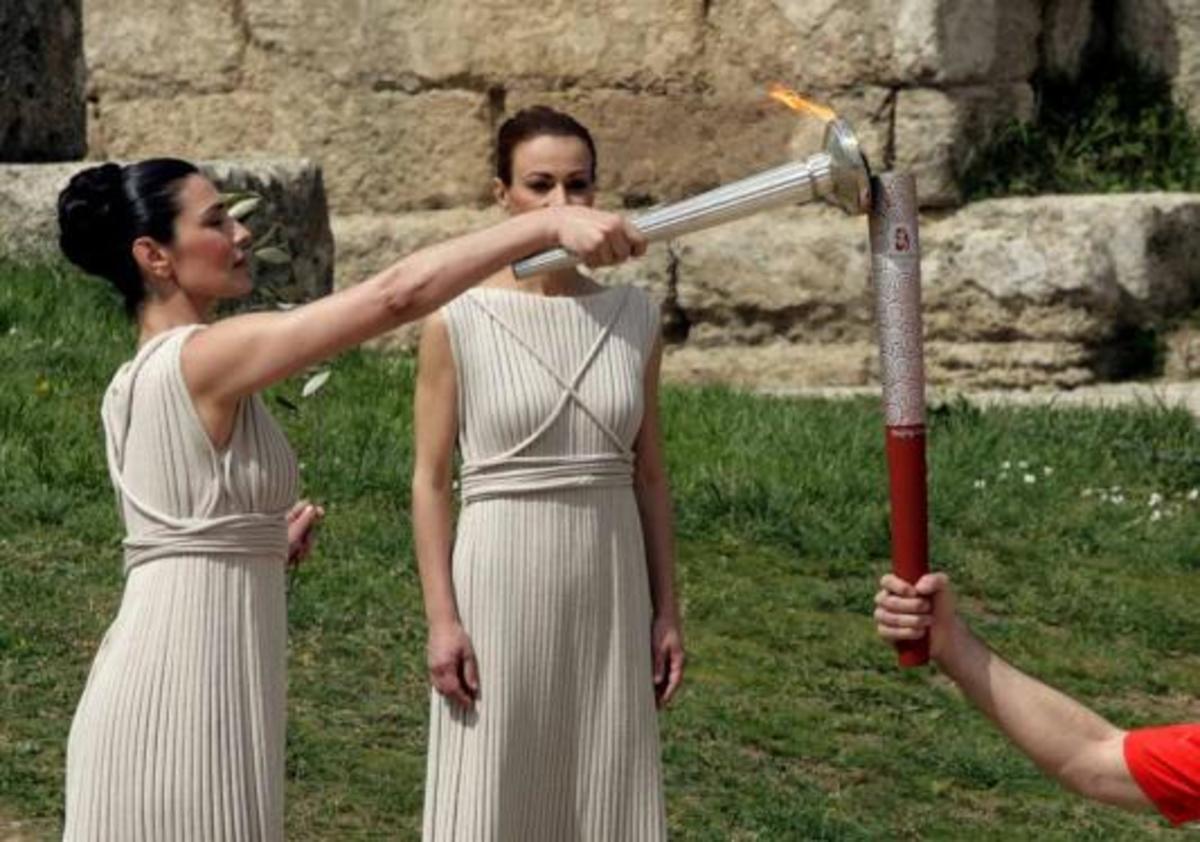 Άρχισε το ταξίδι της η Ολυμπιακή Φλόγα – Δείτε όλη την τελετή αφής   Newsit.gr