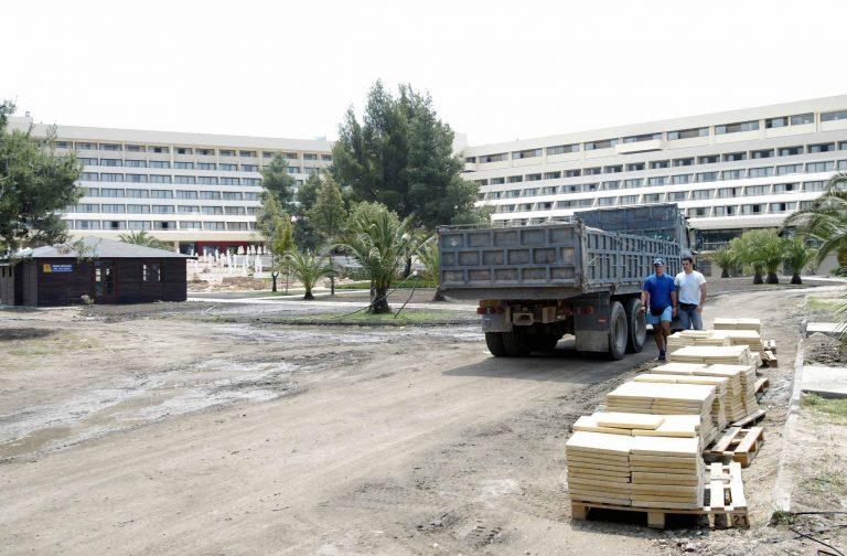 Ηράκλειο: Πήγαν με φορτηγό και »έγδυσαν» ξενοδοχείο της Αμμουδάρας! | Newsit.gr
